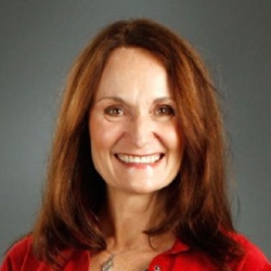 Beth Grant - Actrice