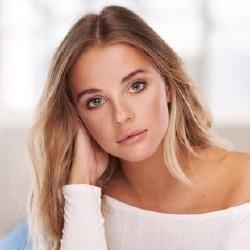 Samantha Helt - Actrice