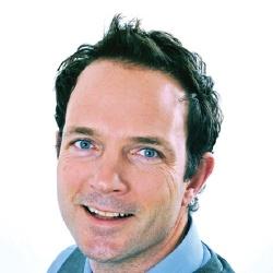 Adrian Simpson - Présentateur