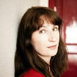 Élise Girard - Réalisatrice, Scénariste