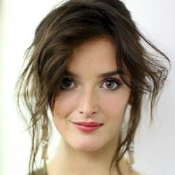 Charlotte Le Bon - Actrice