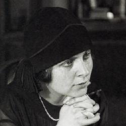 Elsa Triolet - Écrivaine