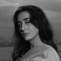 Ellie Lambeti - Actrice