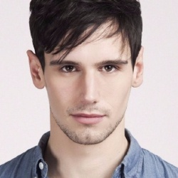 Cory Michael Smith - Acteur