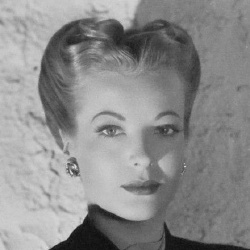 Hillary Brooke - Actrice