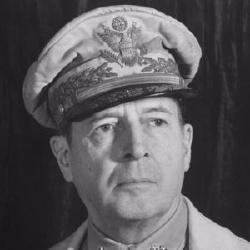 Douglas MacArthur - Militaire