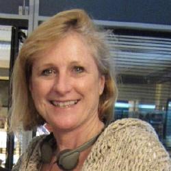 Elizabeth Devine - Scénariste