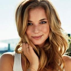 Emily VanCamp - Actrice