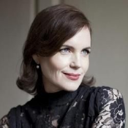 Elizabeth McGovern - Présentatrice