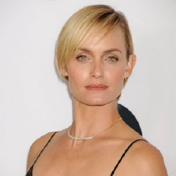 Amber Valletta - Actrice