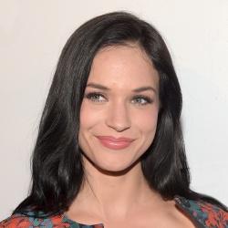 Alexis Knapp - Actrice