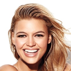 Kelly Rohrbach - Actrice