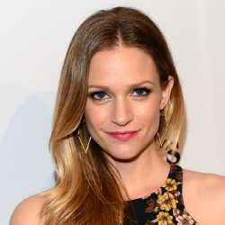 AJ Cook - Actrice