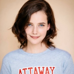 Maemae Renfrow - Actrice