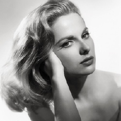 Martha Hyer - Actrice