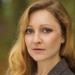 Sarah Williams - Scénariste