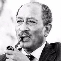 Anouar el-Sadate - Politique