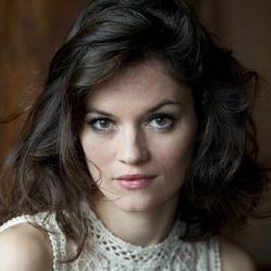 Pauline Dévi - Présentatrice