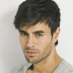 Enrique Iglesias - Guest star