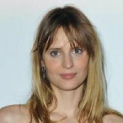 Sabrina Seyvecou - Actrice