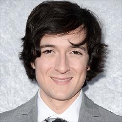Josh Brener - Acteur
