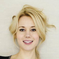 Kristen Hager - Actrice