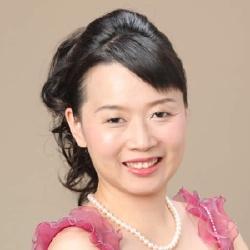 Akiko Takeshita - Actrice