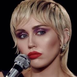 Miley Cyrus - Chanteuse