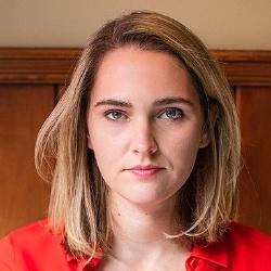 Jena Friedman - Présentatrice