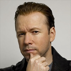 Donnie Wahlberg - Guest star