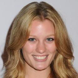 Ashley Hinshaw - Actrice