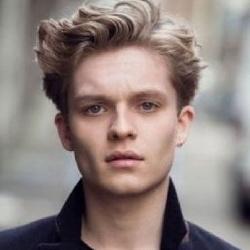 Tom Glynn-Carney - Acteur