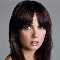 Mia Kirshner - Guest star