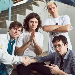 BadBadNotGood - Groupe de Musique