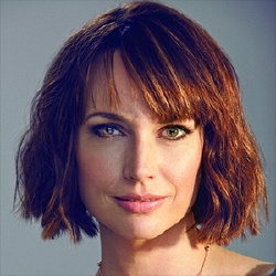 Julie Ann Emery - Actrice