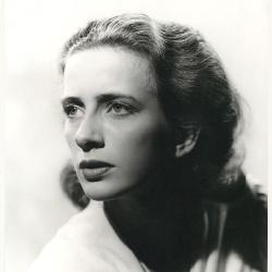 Leora Dana - Actrice