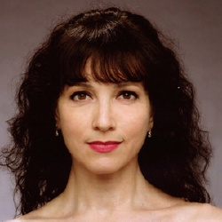Bebe Neuwirth - Actrice