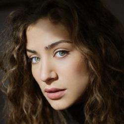 Manon Azem - Actrice