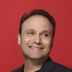 Steven Molaro - Scénariste