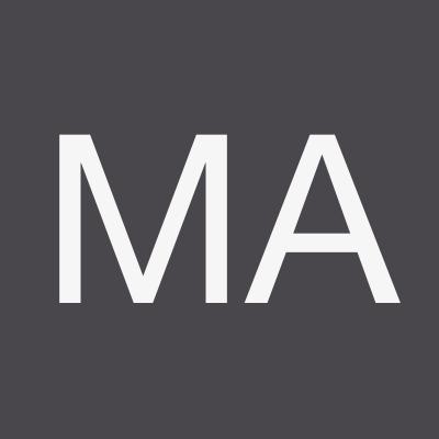 Marcus Adams - Présentateur