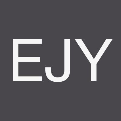 Eom  Jun Young - Réalisateur