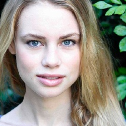 Lucy Fry - Actrice