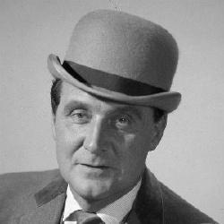 Patrick Macnee - Acteur