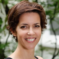 Nathalie Renoux - Présentatrice