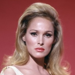 Ursula Andress - Actrice
