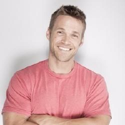 Chris Powell - Présentateur