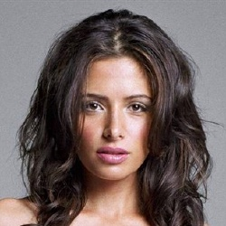 Sarah Shahi - Actrice