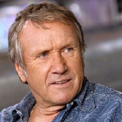 Yves Rénier - Présentateur