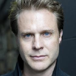 Julian Garner - Acteur