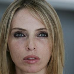Tonya Kinzinger - Actrice
